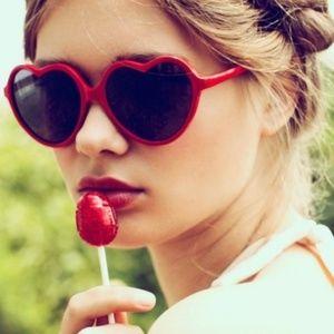 Retro Lolita Heart Shaped Women Sunglasses